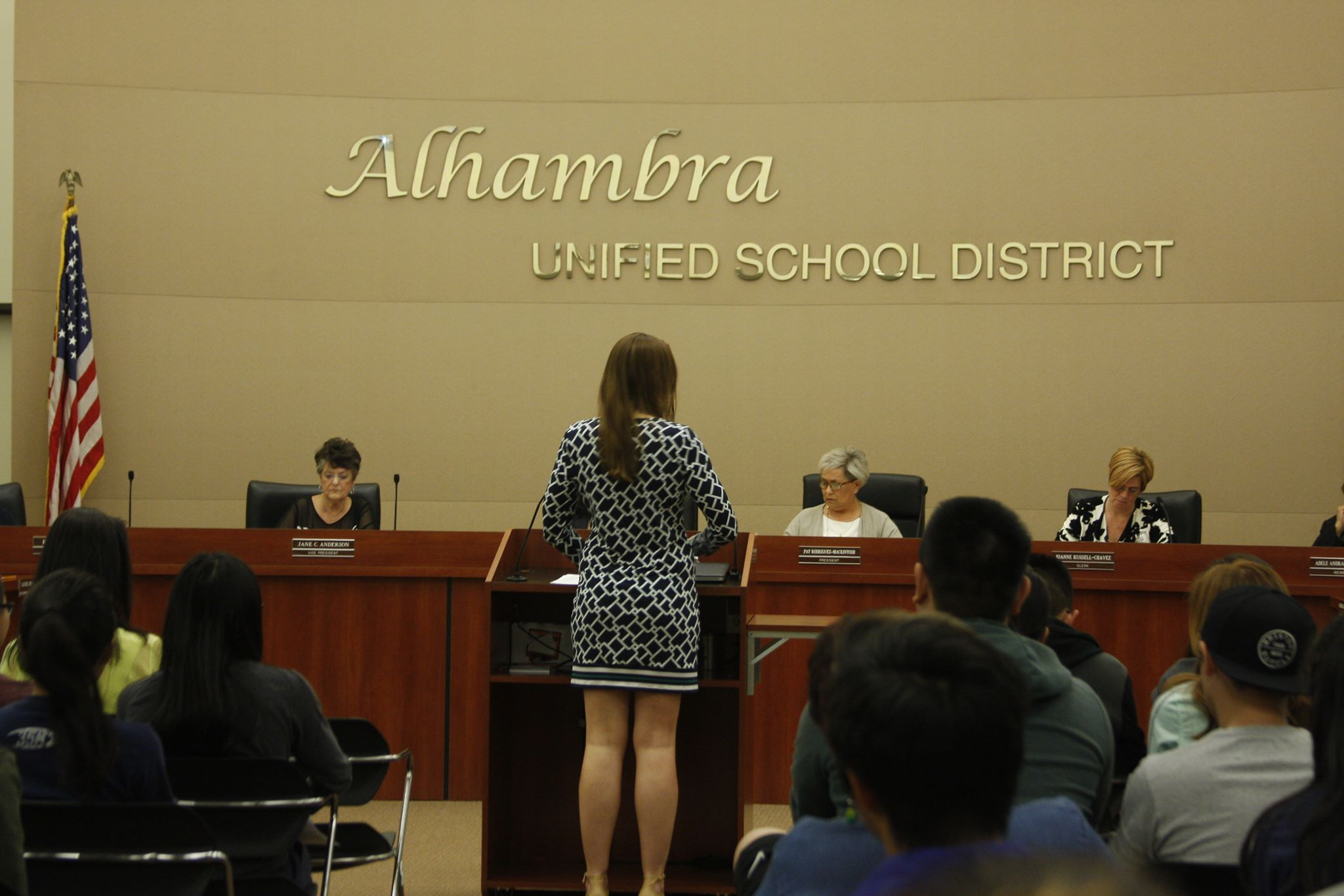 Volleyball players, alumni speak at AUSD board meeting about Kwan's contract renewal