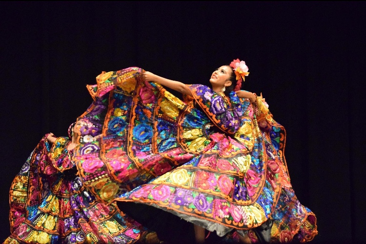 Hernández dances into maturity through folkloric ballet