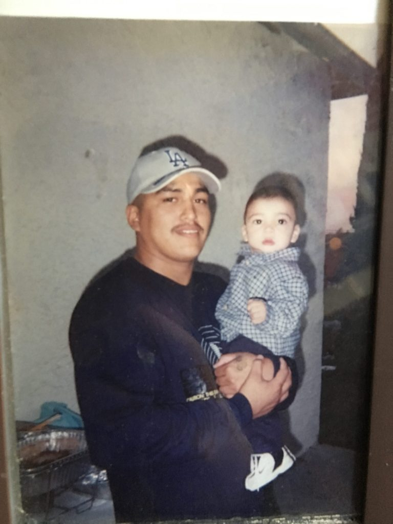 Contreras overcomes tragic loss of father