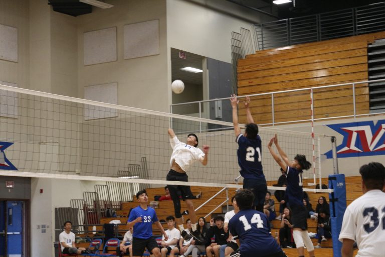 Boys varsity volleyball spikes down St. Genevieve with 3-0